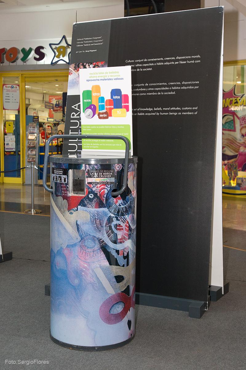 Presentación Campaña de recogida de latas de bebida en la zona Forum