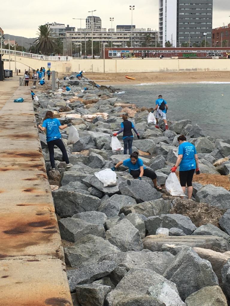 200 voluntarios y 637 kg de residuos recogidos en la limpieza del fondo marino