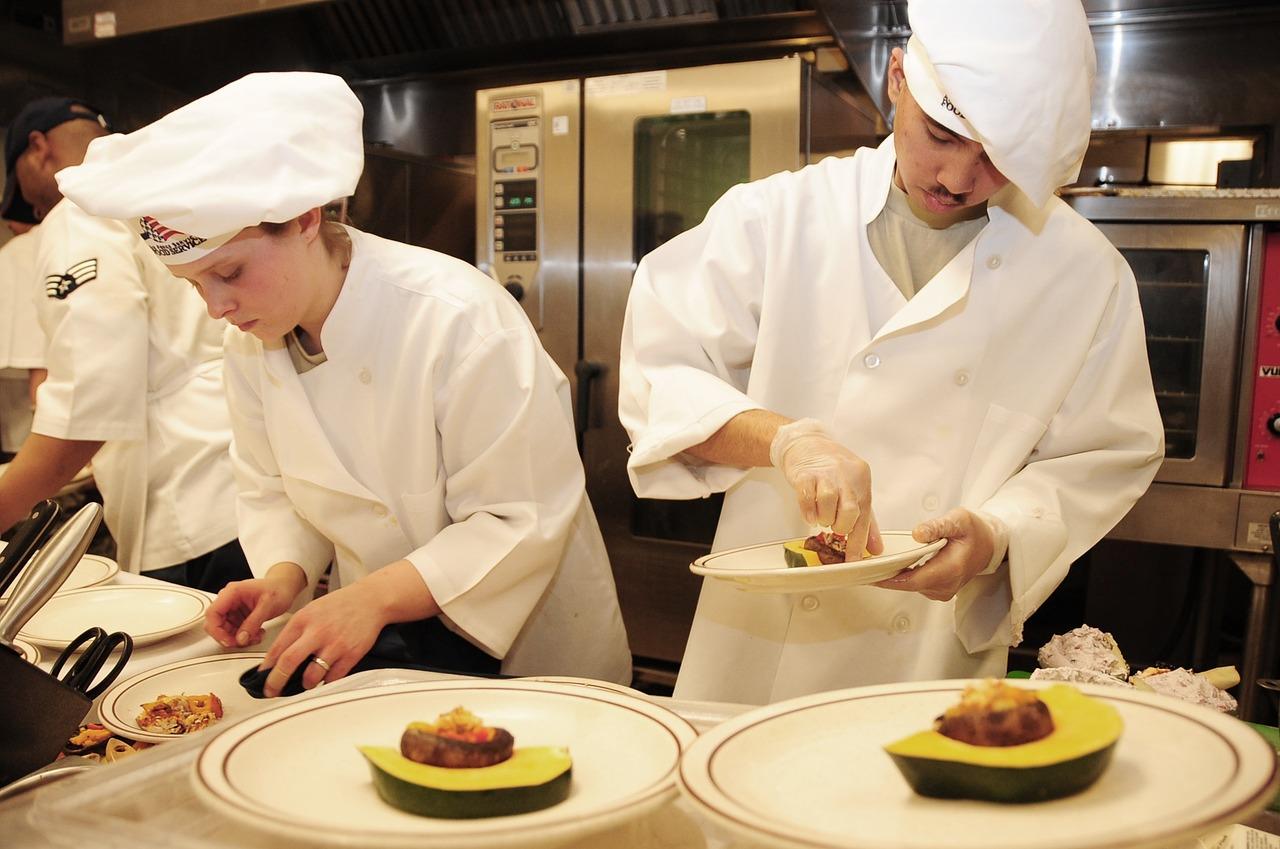Finaliza con éxito el curso de auxiliar de sala y cocina impartido en la ESHOB