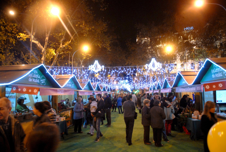 Fira Solidària de Nadal en los Jardinets de Gràcia