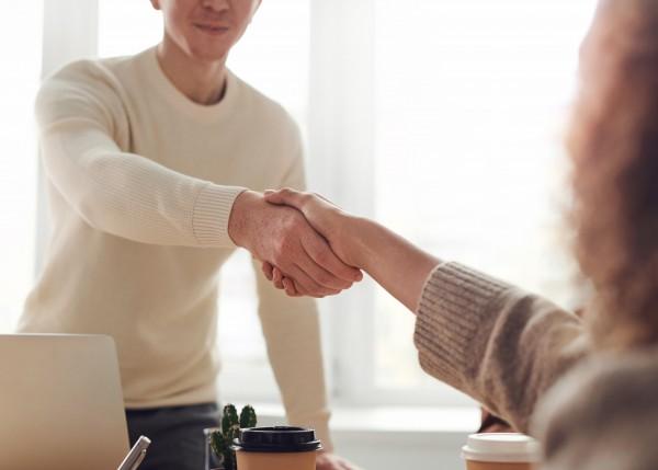 Empresas de la zona Fórum ofrecen inserción laboral a 125 personas el año 2019